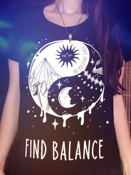 yin-yang-tshirt-sun-and-moon-good-vibes-tank-zen